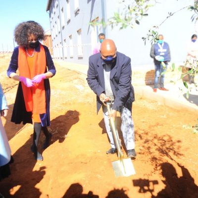 Minister Sisulu visits mixed use development project promoting inclusive housing, social amenities and open spaces, commercial and industrial opportunities